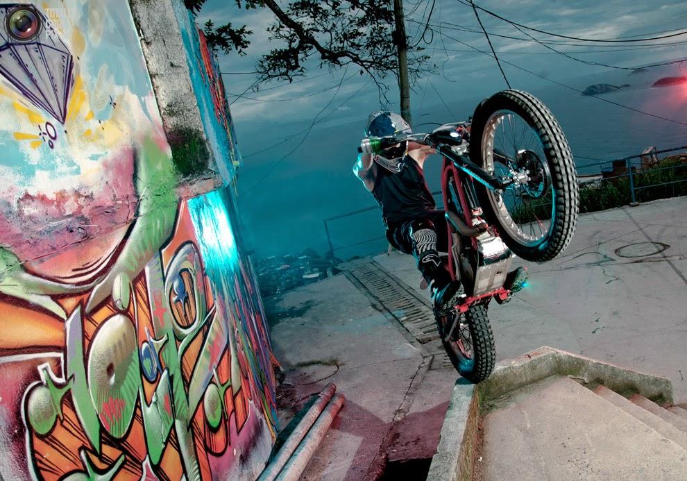 """O espírito """"Ride the World"""" de Julien Dupont"""