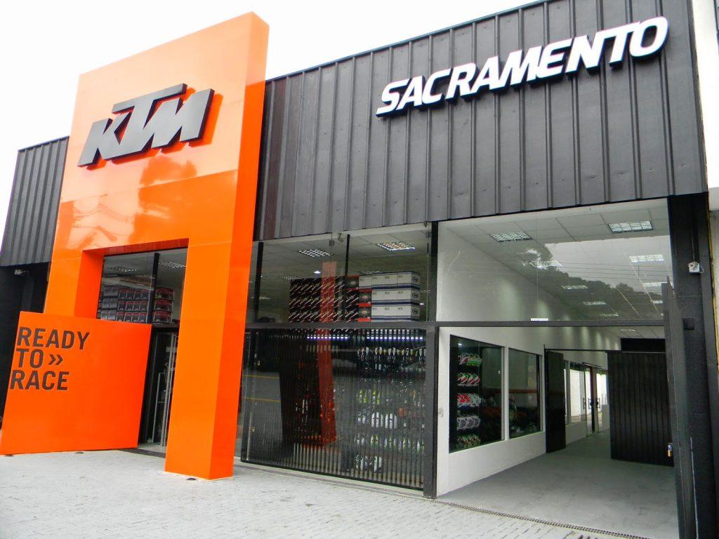 KTM inaugura loja em Curitiba