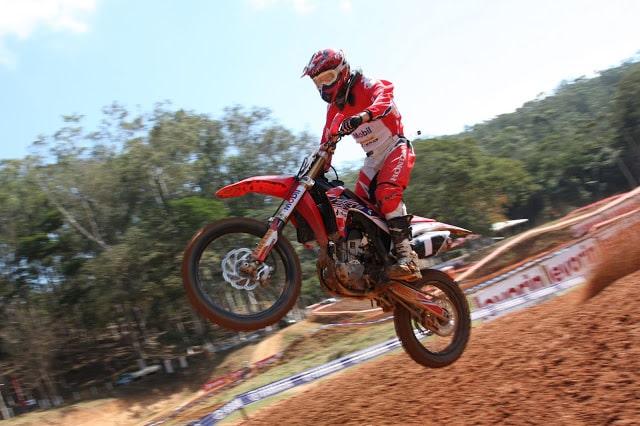 Na segunda etapa do Brasileiro de Motocross, Campano e Hector Assunção fazem a festa no Rio.