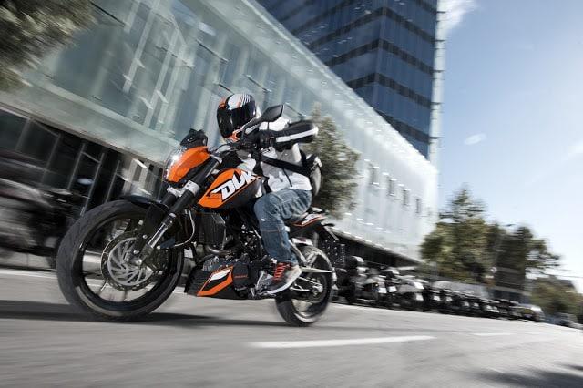 Nova KTM 200 DUKE chega às concessionárias em setembro por R$ 15.990,00