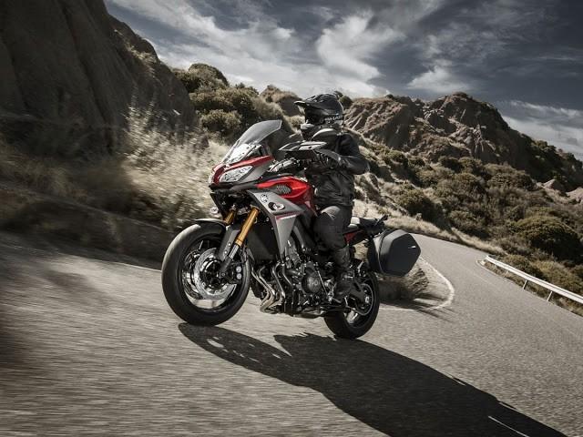 Yamaha MT-09 Tracer. O novo modelo da linha MT mescla elementos esportivos, street e touring.