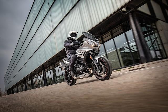 Triumph moderniza Tiger Sport com novo visual e mais eletrônica