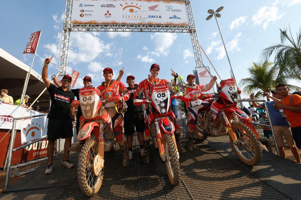 Comemoração dos vencedores do Rally dos Sertões 2016