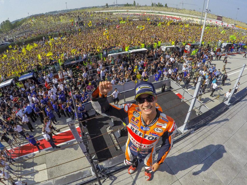 Dani Pedrosa comemora vitória depois de 11 meses