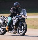 Triumph Riding Experience cria curso de pilotagem exclusivo para mulheres