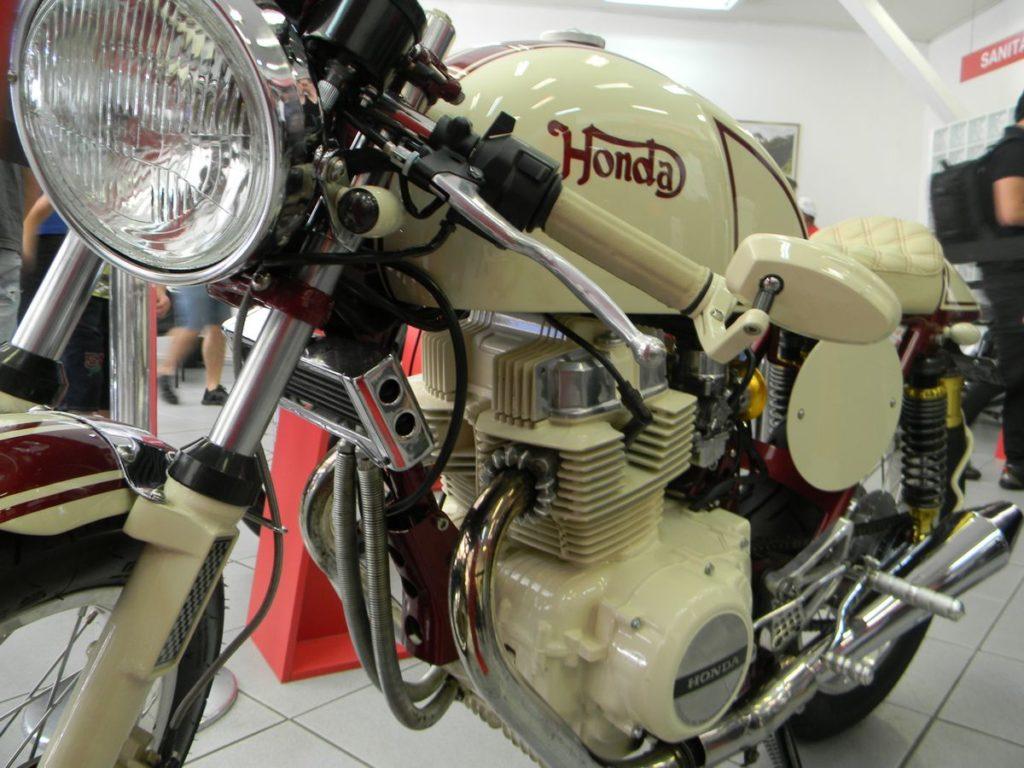 """Honda CB 450 - 1987 Customizada em estilo """"Norton"""" - A venda por 45.000,00"""