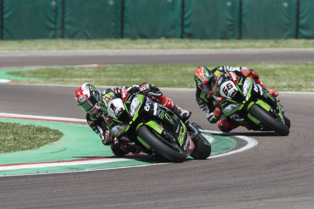 Jonathan Rea (#1) e Tom Sykes (#66), da Kawasaki Racing Team