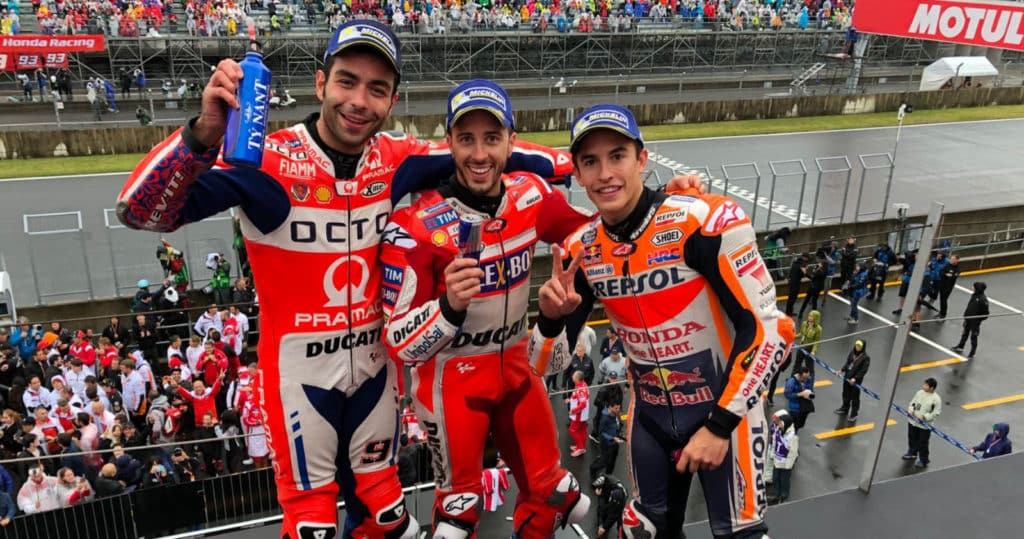 Pódio no GP do Japão: Dovizioso, Márquez e Petrucci
