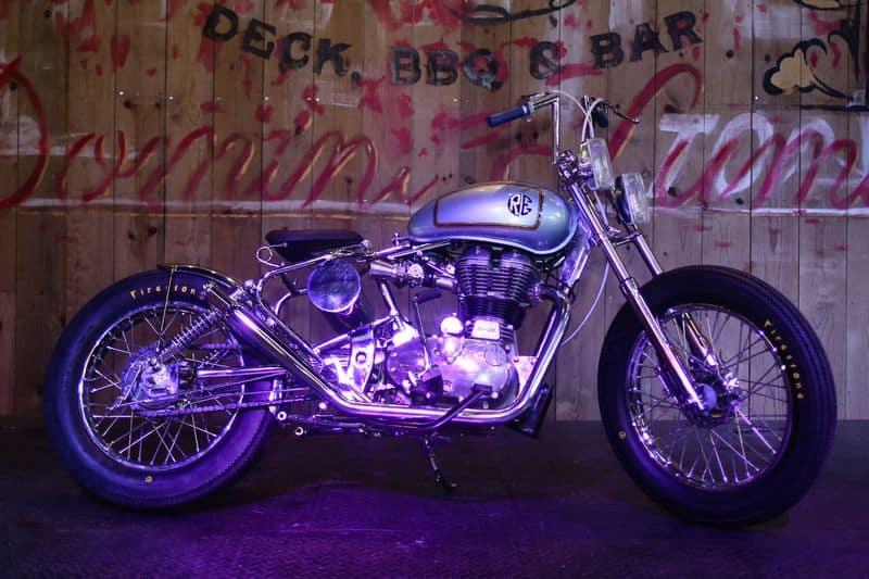 Classic 500 personalizada pela Johnnie Wash