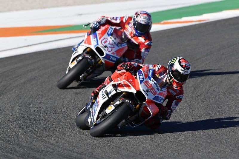 Lorenzo em momento algum abriu para Dovizioso - Foto: Ducati Press