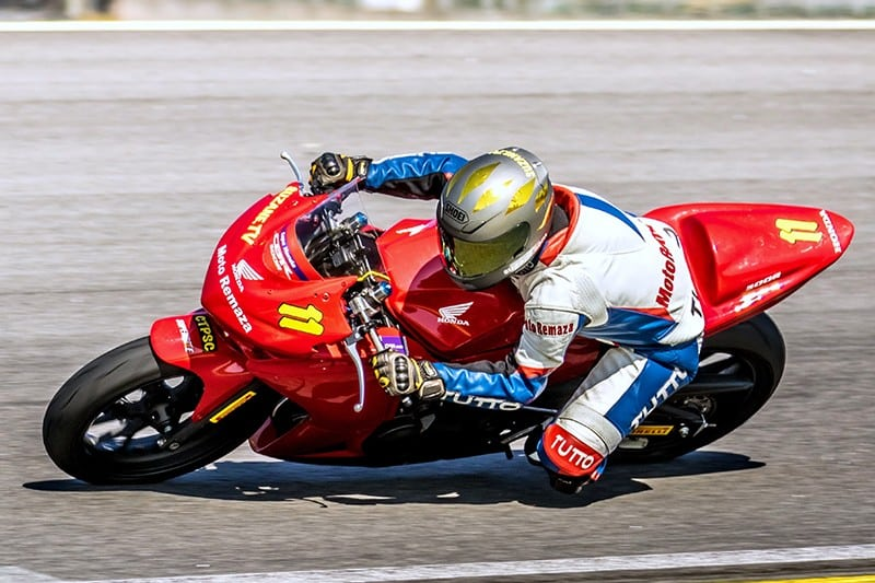 Suzane foi Bicampeã da Copa Honda CBR 500R, na categoria Máster