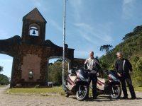 Amigos percorrerão rota do Atlântico ao Pacífico com Honda PCX