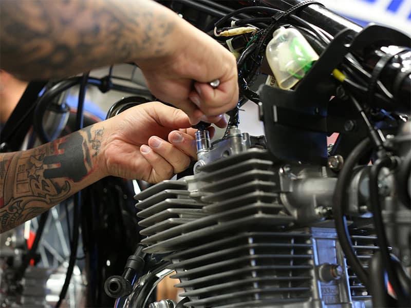 Três atitudes que diminuem a vida útil da sua moto