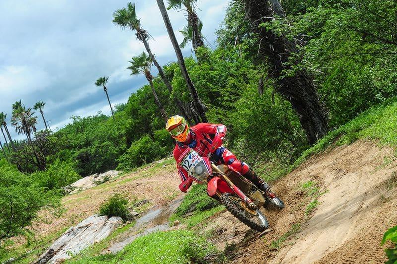Jean Azevedo assume a liderança das motocicletas no Rally RN 1500