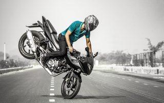 Dicas de frenagem orientam motociclistas como proceder de forma preventiva