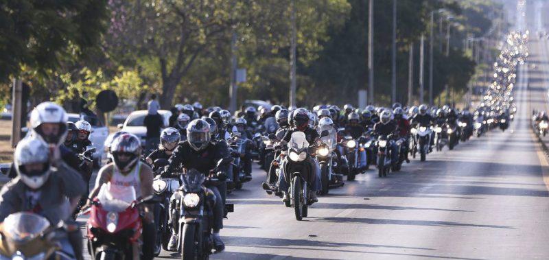Saiba como evitar acidentes com motos