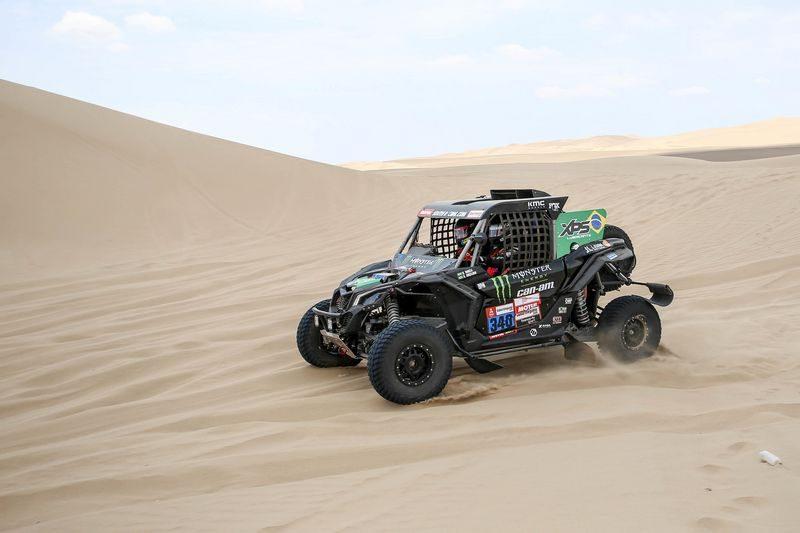 Reinaldo Varela e Gustavo Gugelmin são os mais rápidos dos UTVs com o Can-Am Maverick X3 no primeiro dia do Rally Dakar 2019. Crédito: André Chaco/photosdakar.com