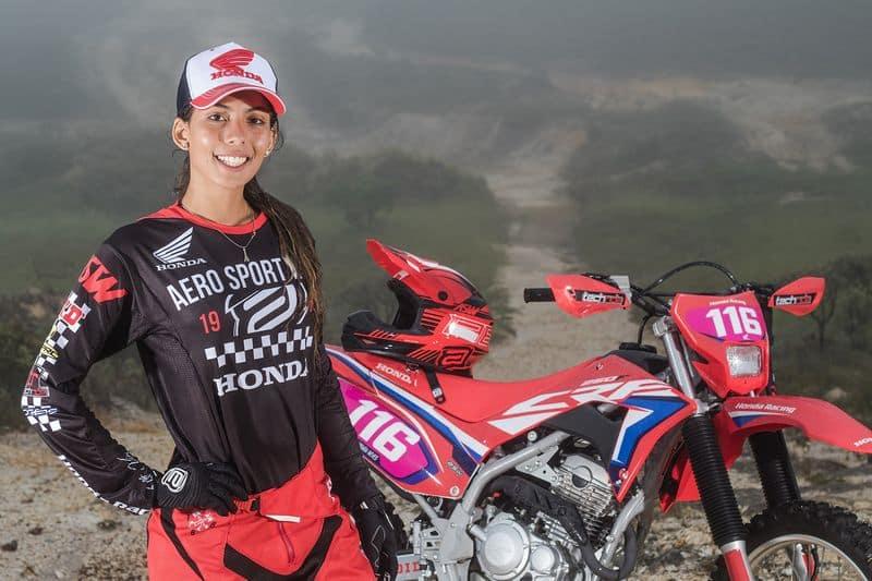 Bárbara Neves, piloto de Enduro FIM da equipe Honda Racing Crédito: Idário Café/Mundo Press